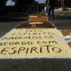Comunidade preparando a rua para Corpus Christi