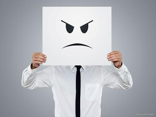 formacao_a-dor-e-o-odor-da-crise-moral-em-uma-sociedade-insatisfeita
