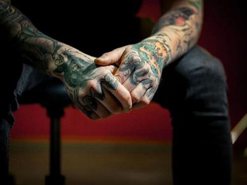 formacao_piercing-e-a-tatuagem-no-corpo-de-um-cristao-1600x1200